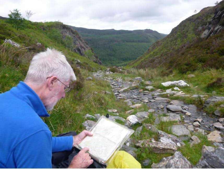 29. Ken checks the route to Crafnant