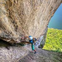 rock-climbing-rio-de-janeiro-sugarloaf-route-chamine-stop