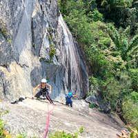 rock-climbing-rio-de-janeiro-corcovado-christ-statue-route-K2-7