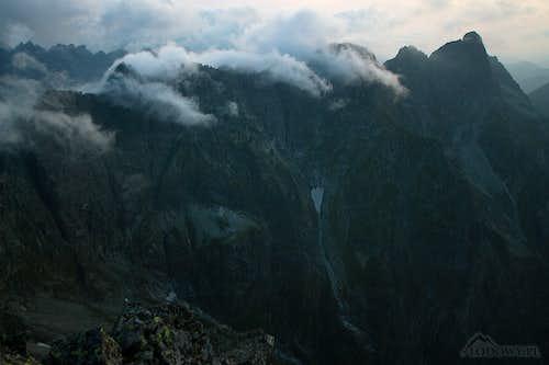 Misty evening over Mengusovsky ridge
