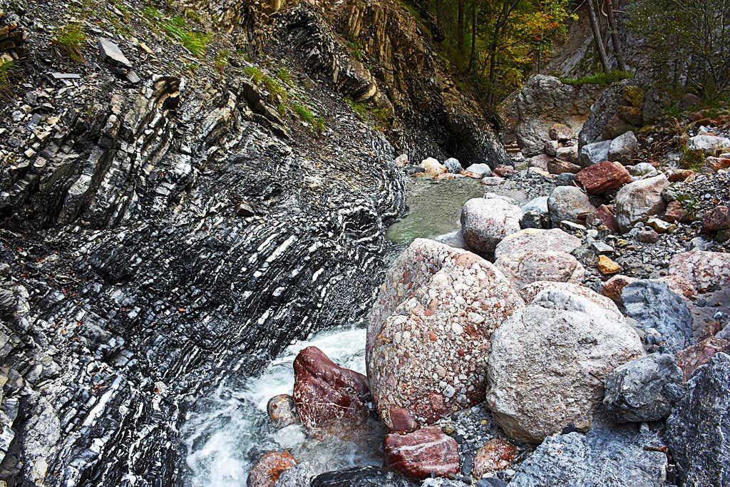 Rocks in Kosutni potok