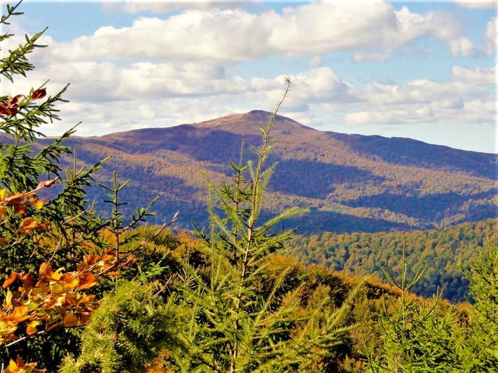 View towards the monumental Smerek peak