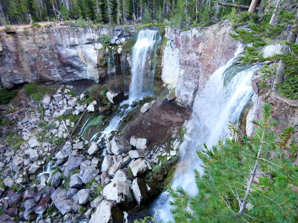 Paulina Creek Waterfall