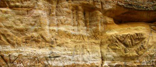 Roche-a-Cri Petroglyphs