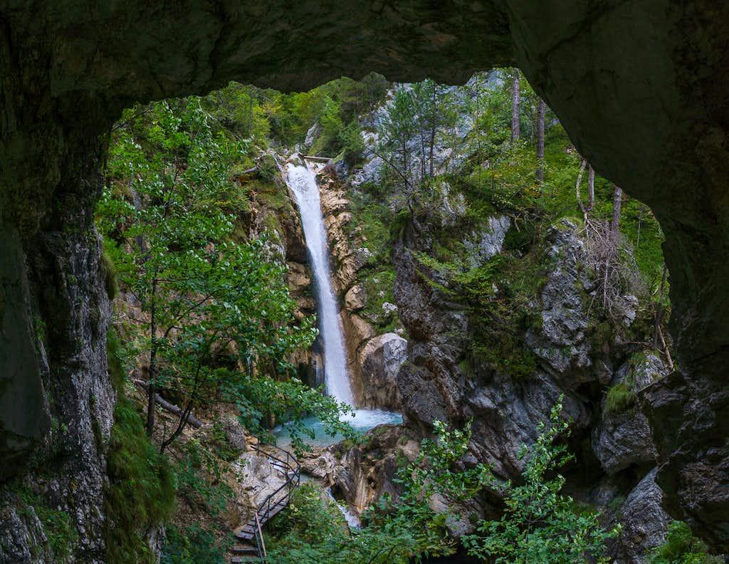 Tschauko Waterfall