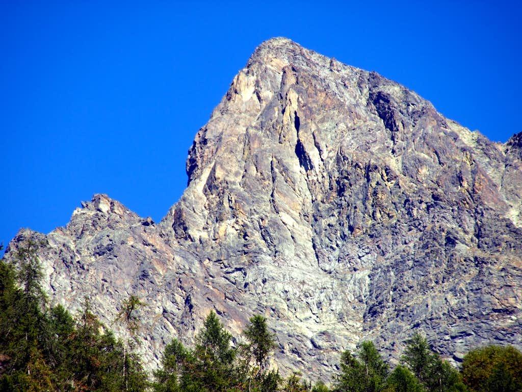 Mont Bérrio in Southeastern V'lan Group