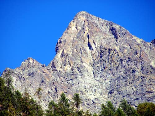 Mont Bérrio in Southeastern V'lan Group