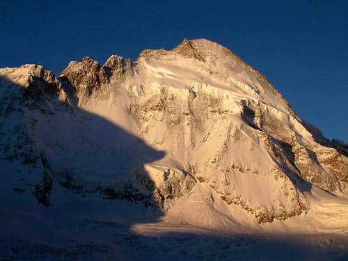 Dent d\'Herens at Sunrise