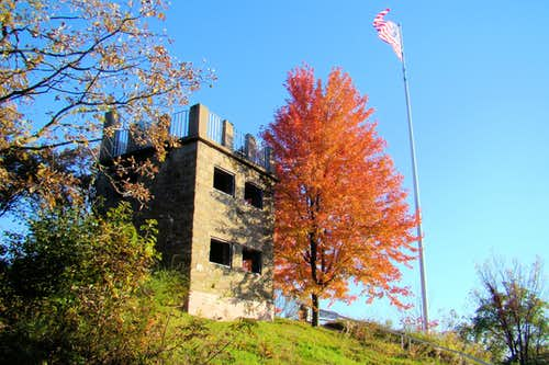 Autumn Color at Elk Mound Castle 2019