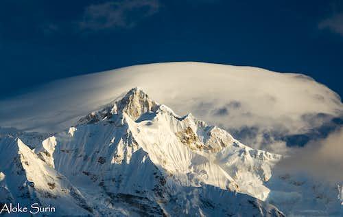 Goecha Là trail: sun lighting up Kangchenjunga