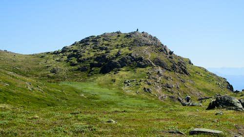 The summit of Lomseggen