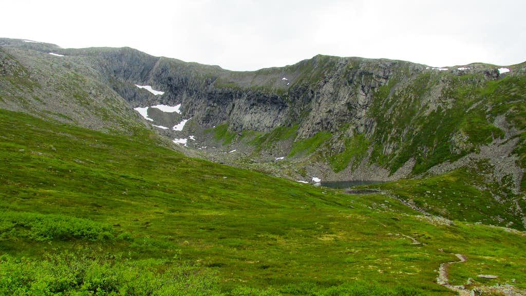 Romdalseggen ridge with Mjolvafjellet to the left