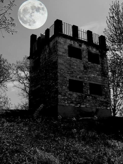 Elk Mound Haunted Castle?