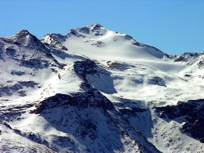 Becca di Tos (3302 m) and its glacier