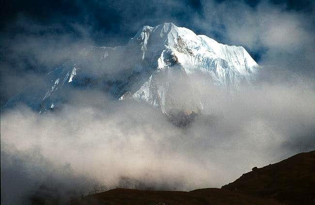 An unknown peak appears...