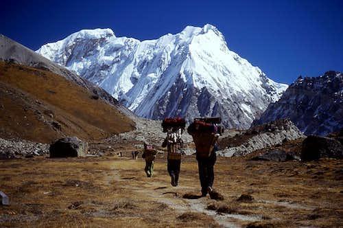 Porters below Tent Peak