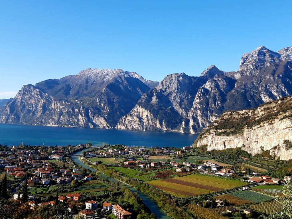 Stunning summits above Northern Garda lake