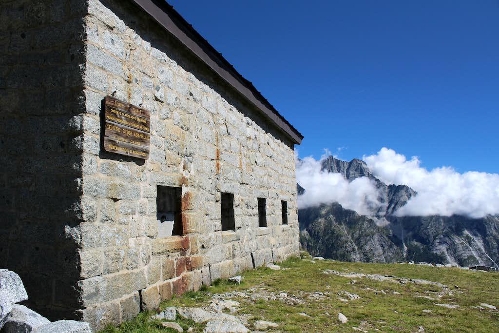 Val di Genova day trip. Centro Studi Glaciologico