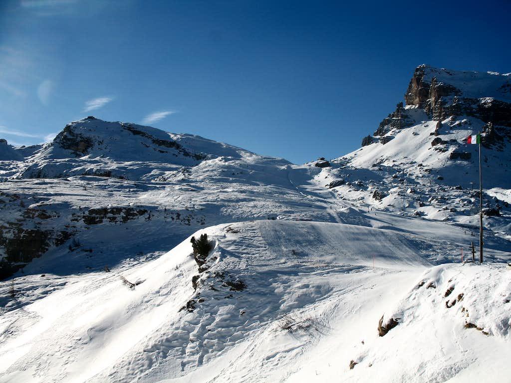 Snowshoe ascent of Nuvolau. Nuvolau (2575m) and Averau (2649m)
