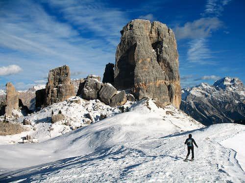Snowshoe ascent of Nuvolau. Cinque Torri