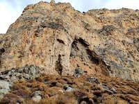 jeskyne naproti