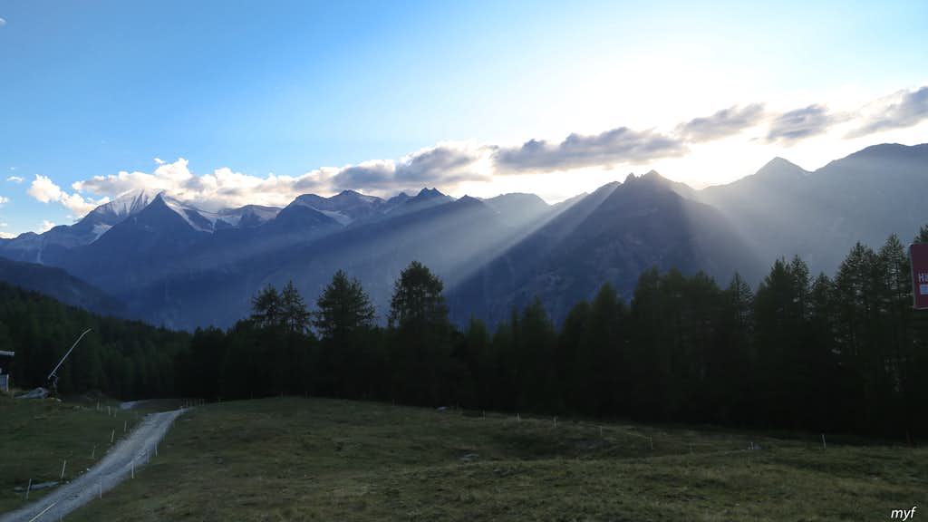 Clouds, Beams, and Weisshorn