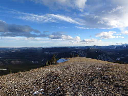 Looking down the upper south ridge from below the summit of Prairie Mountain