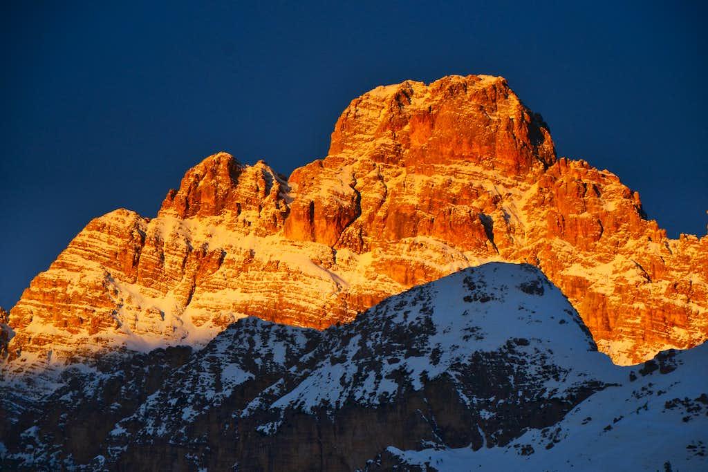 Monte Cristallo (3221 m) at sunrise