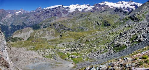 Wide view from Colle Sarezza including Matterhorn and Monte Rosa range