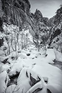 Shapes of new Snow in Seoraksan National Park