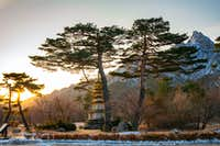 Dawn glow on the mountains and monuments at Seoraksan National Park-4