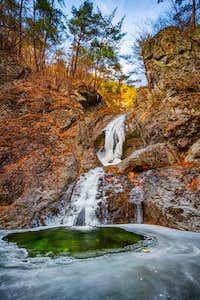 Beautiful waterfalls in Korea's Juwangsan National Park-2