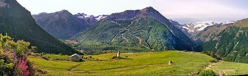 Panoramic views of Gran Paradiso Area