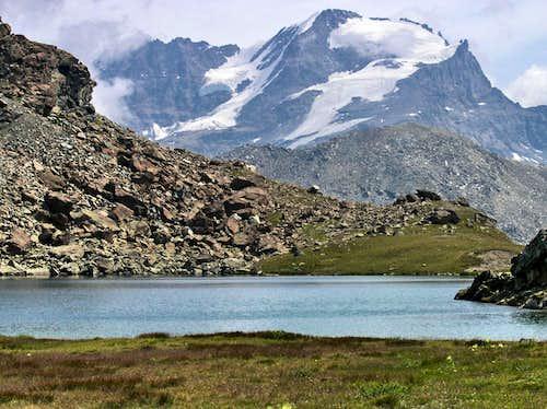 Gran Paradiso from the shore of Leynir