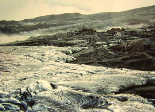 Pahoehoe and Aa Aa flows