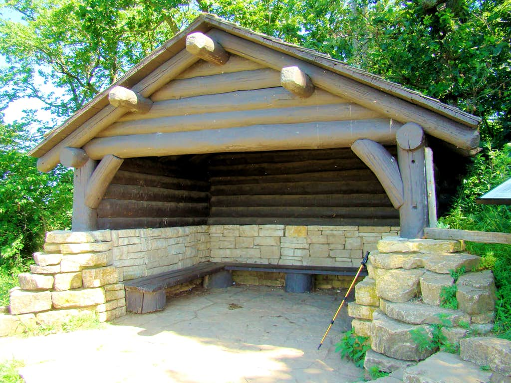 Brady's Bluff Summit Shelter in Summer