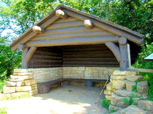 Brady's Bluff Summit Shelter in Summer