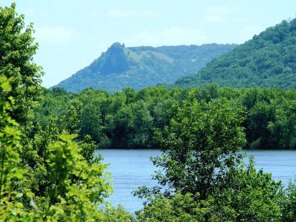 Queens Bluff, Minnesota