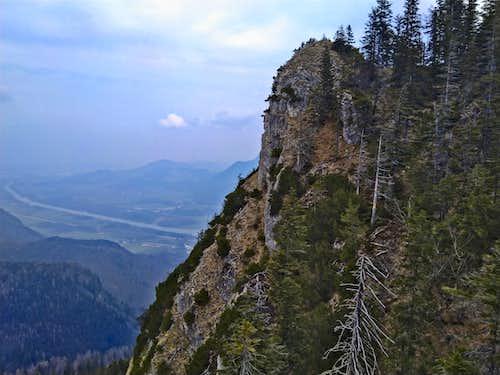 A dramatic crag on the western escarpment of Wildbarren