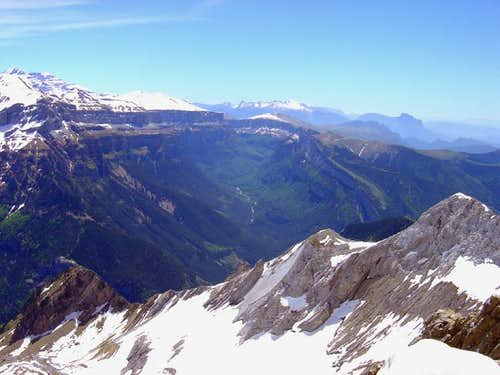 Ordesa\'s canyon from peak Otal