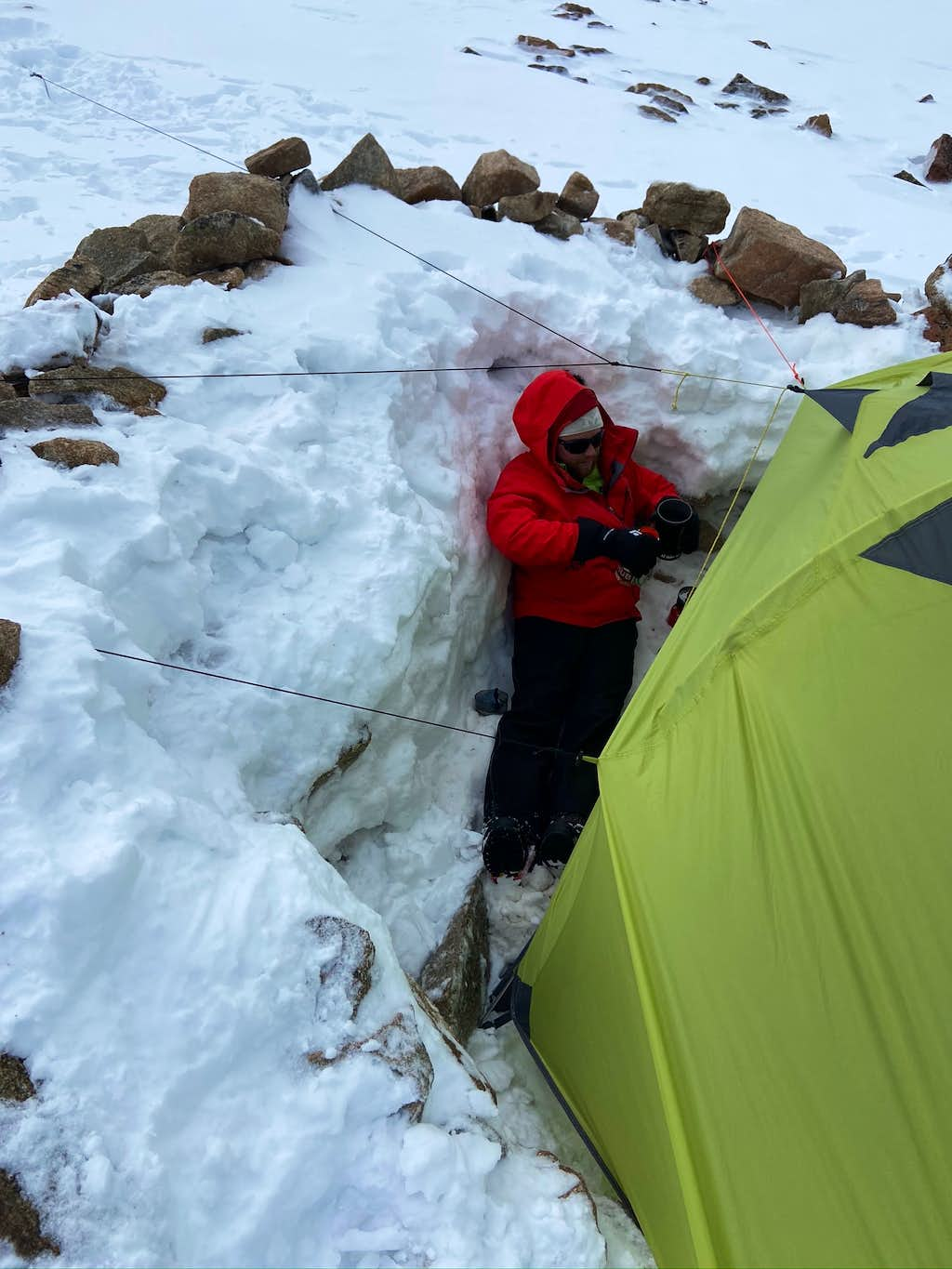 Boiling water in the gap between the wind wall and tent