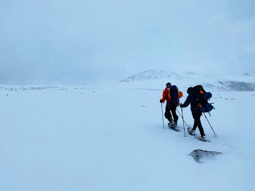 Hiking east back across FTD Plateau.