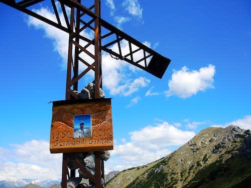 Mazza di Pichea summit cross