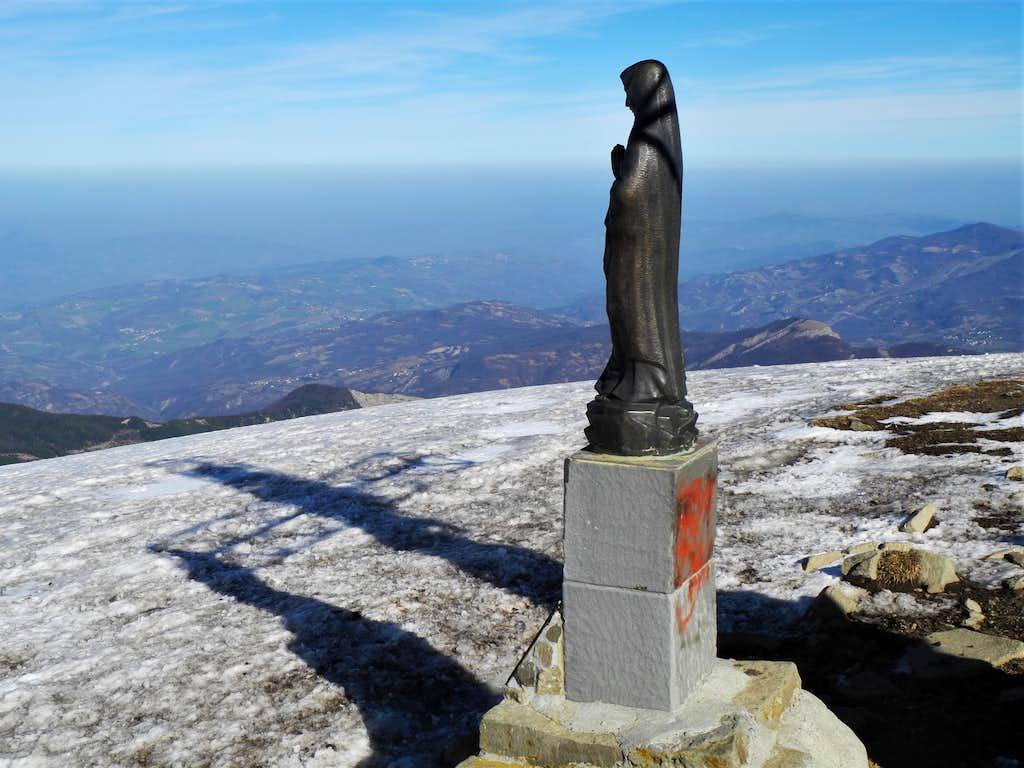 Summit signal on Monte Cusna