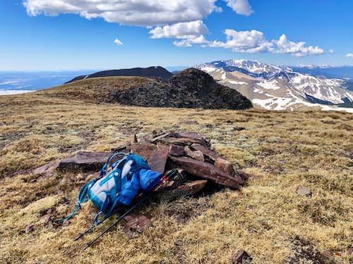 Large summit of Cuatro Peak