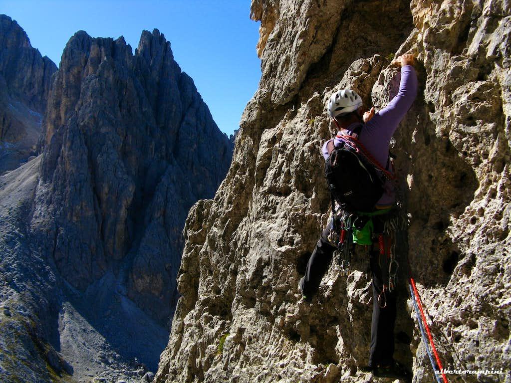 Fun climbing on route Mazzorana, Torre Wundt
