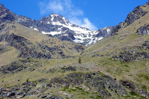 Chaz Fleurie below SE Slope of Pic Garin or Normal Route