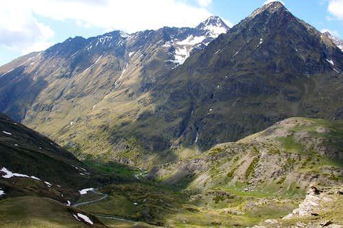 Chaz Fleurie amongst Pointe Fleurie Pic Garin & Mont Grauson