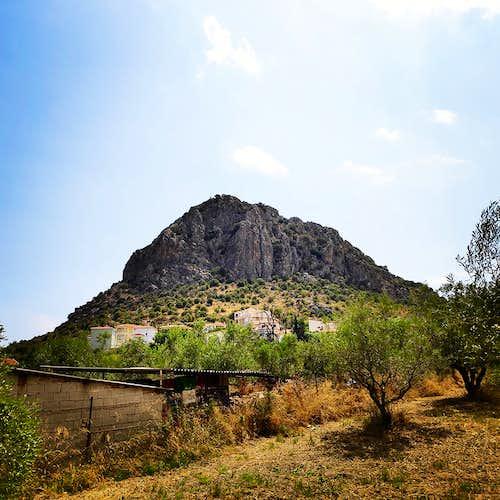 Diaberis Pothos | Trad Climbing at the top of Profitis Elias – Asini (Greece)