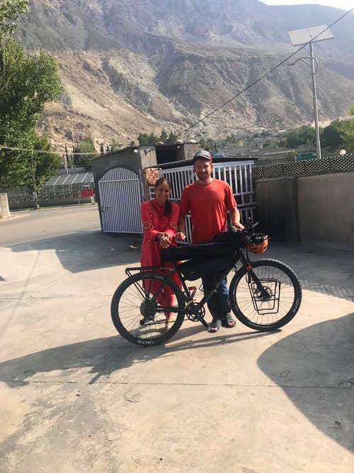 Riding a bike to Gilgit from Uzbekistan and meeting inspiring people along the way :)